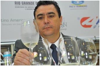 Para o presidente da ABE Carlos Abarzua, el espumante imprime identidad al vino brasileño